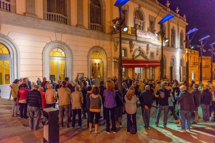 Un centenar de persones reclamen l'alliberament dels Jordis
