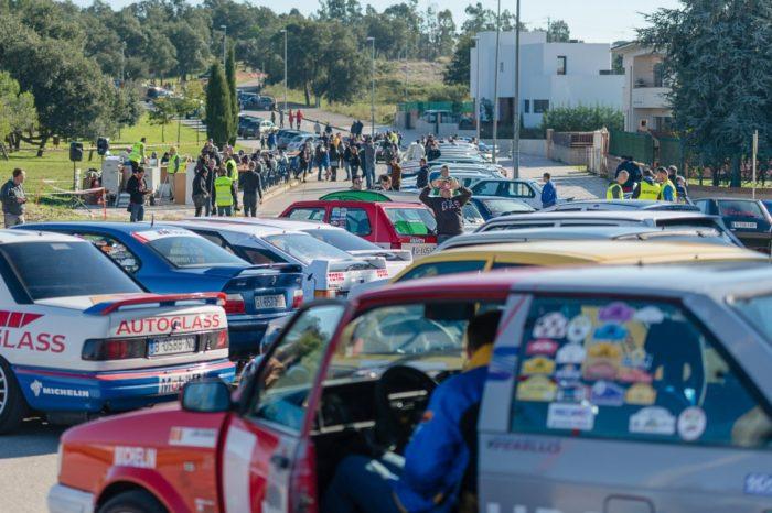 Un centenar de vehicles participen a la VI Ruta dels Carrilets